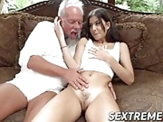 Old Man Hardcore Fucking Young Girl Fucks Her Virgin Pussy