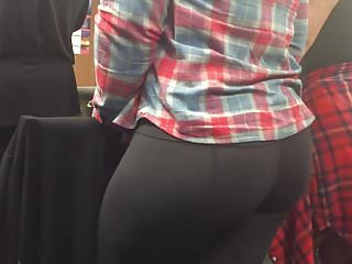 Juicy Ass In Leggings