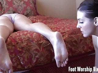 Cherry Sneaks In And Worships Lady's Feet
