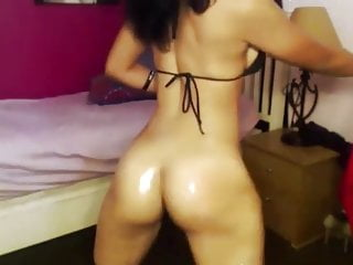 Latino Angel Like Twerk Oil And Dildo