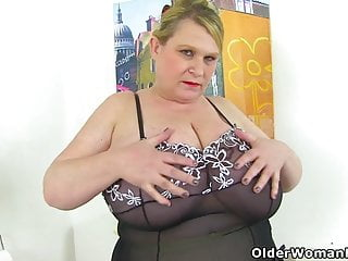 British Bbw Samantha Sanders Spoils Us With Her Huge Tits