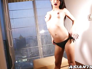 Sweet Ladyboy Sai Plays