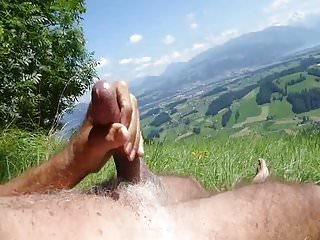 Hot Wank In The Grass